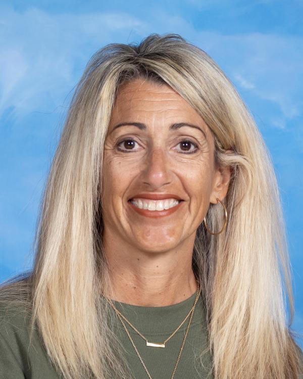 Dina Emerzian