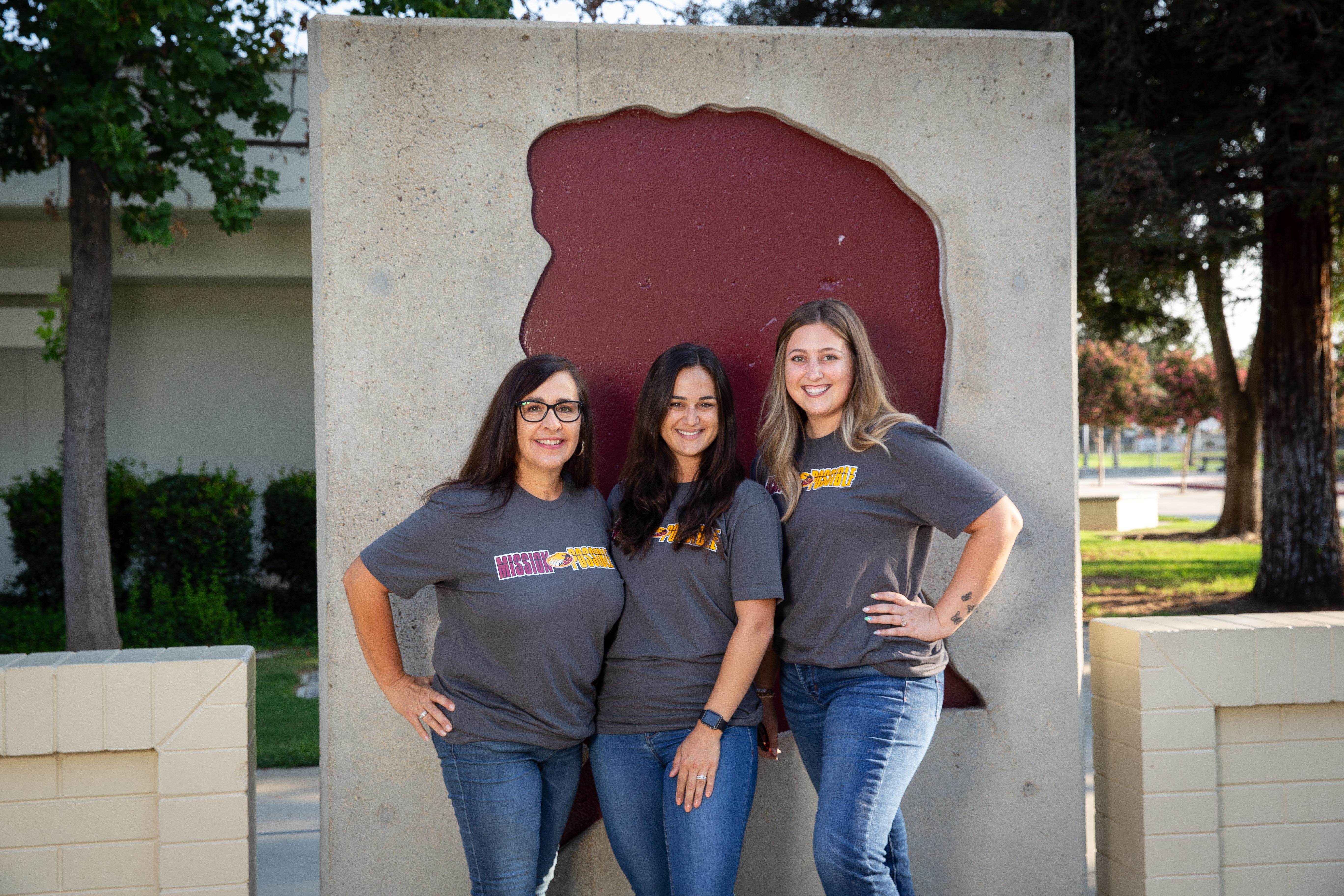 Fourth grade teacher Colleen McComas, Tannaz Eghtesadi, and Leah Johnson