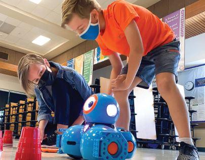 students with robotics